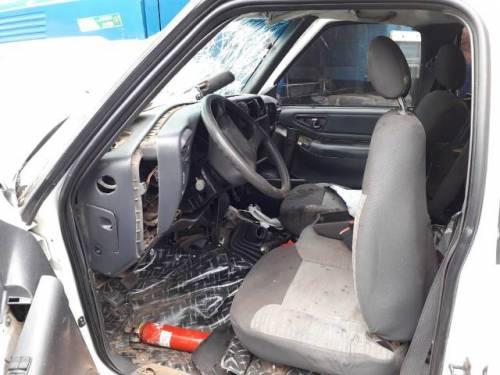 """Resultado de imagem para Médico veterinário de Colorado do Oeste fica ferido após colisão entre picape e caminhão na """"Curva da Banana"""""""